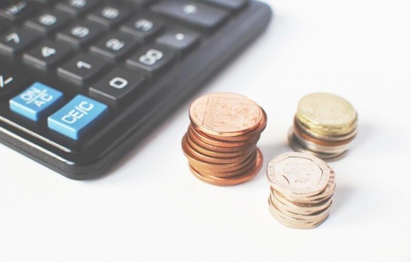 Jak rozsądnie wydawać pieniądze podczas podróży?